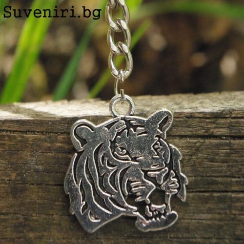 Тигър - сувенир, изработен от парче метал