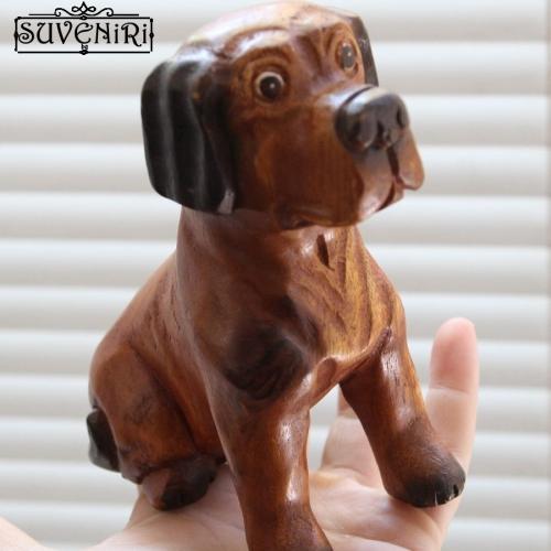 Дървено кученце - триизмерен сувенир