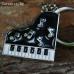 Пиано  с ноти - музикален инструмент - ключодържател