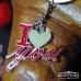 Метален сувенир с надпис I LOVE YOU