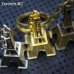 Айфелова кула –  три клюодържатели  в различни цветове